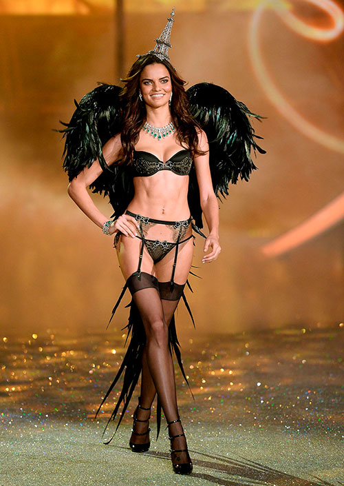 2013 Victoria's Secret Fashion Show - фото