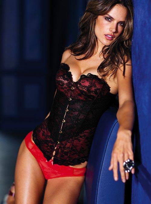 http://v-krujevah.ru/belye/corsets/korsety-v-krujevah.ru-4.jpg