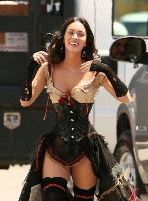 http://v-krujevah.ru/belye/corsets/korsety-v-krujevah.ru-47.jpg