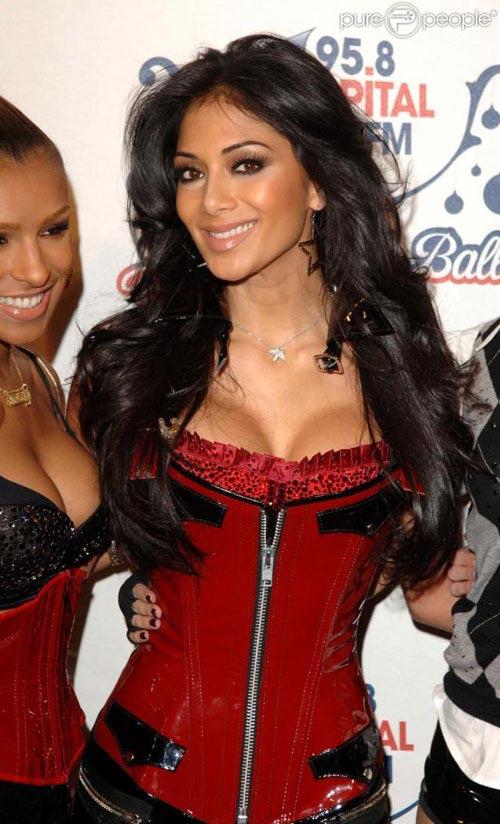 http://v-krujevah.ru/belye/corsets/korsety-v-krujevah.ru-53.jpg