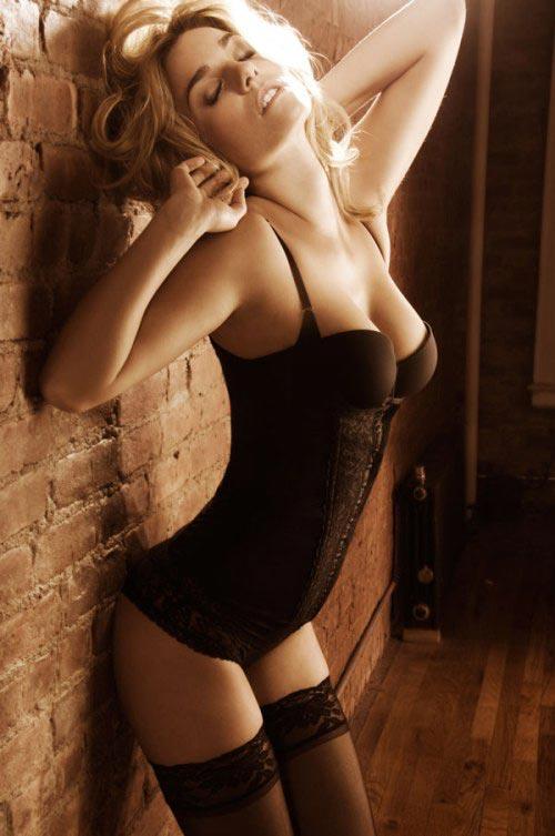 http://v-krujevah.ru/belye/corsets/korsety-v-krujevah.ru-65.jpg