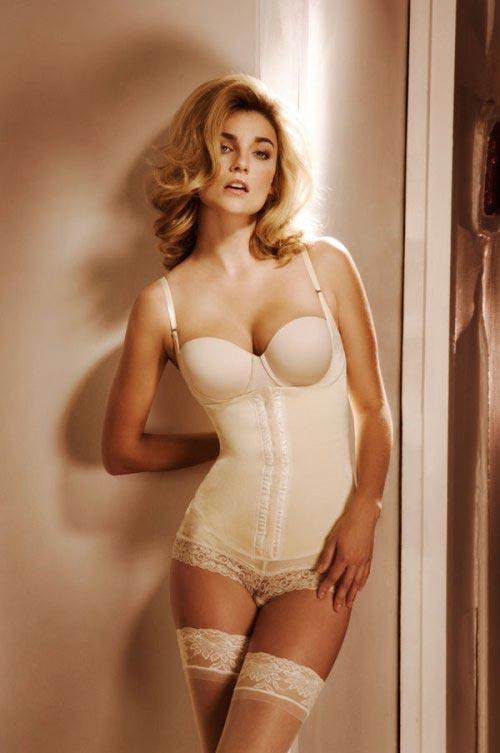 http://v-krujevah.ru/belye/corsets/korsety-v-krujevah.ru-66.jpg
