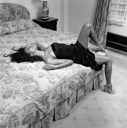 знаменитости Zoe Saldana в нижнем белье