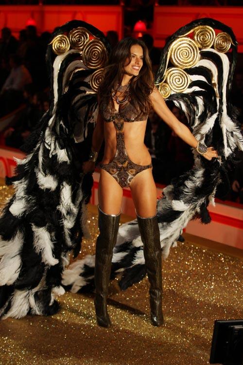 Victoria's Secret - бренд история в деталях ФОТО